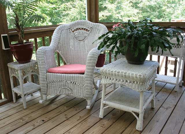 Wicker-Chairs-and-Tables